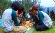 tim highland indonesia makan liwet